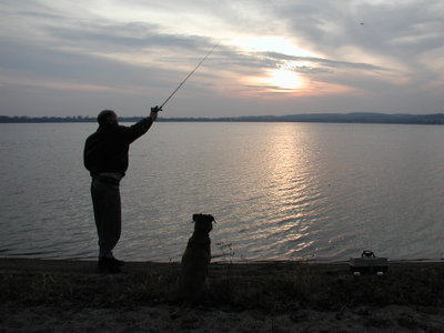 Bill_and_dexter_fishing_112306